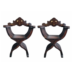 Fine Quality Pair of Florentine Walnut and Bone Inlaid Savonarola X-frame Chairs with Medici Crest