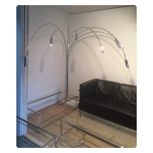 large and stylish 1970's Reggiani Goffredo 7-light chrome arched floor lamp with carrera marble base